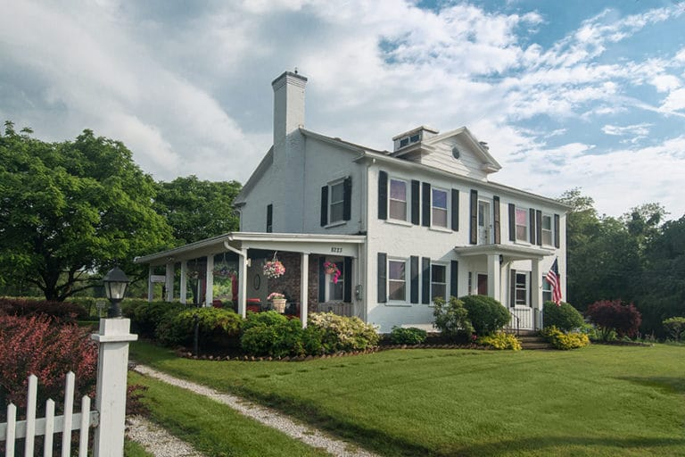 Barcelona Lakeside B&B in Westfield, New York